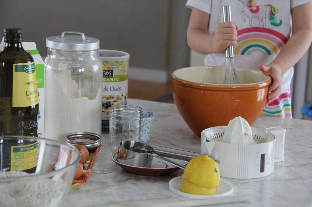 Préparation de muffins au citron